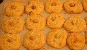 coconut macadamia cookies